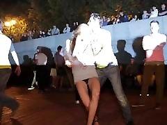 meitene īsu kleitu dejas voyeur