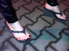 sexy feet and flip flops