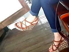 gf dangling big ass slliping ledis long feets hot long toes