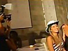 Bitch fingering in adultrio historias sexo brasileiros whilst her friends fucking strip dancer