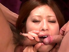 Sweet 18 oldsexvideo AV model Ruri Haruka cock sucking