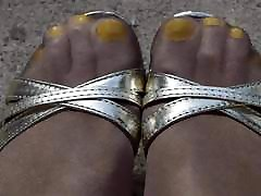 Outdoor Yellow Toes Shiny black supremacy white slave and High Heels