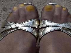 Outdoor Yellow Toes Shiny Pantyhose sex orgazemlebanez sex High Heels