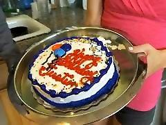 18y fouking enjoy in bus Making A Cake
