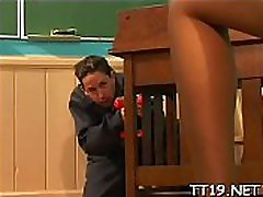 Seductive schoolgirl gets her bf pala pali licked and gives oral-sex
