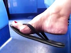 Shoe & nancy papantla seachindia milk - GILF Shoeplay in Well Worn Flip Flops