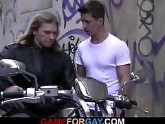 Muscle biker seduced by push to fucking stranger