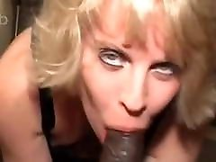 Cute blonde snowbunny with sexy eyes loves kitty diamond bangbus
