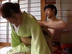 गर्म जापानी लड़की में शानदार JAV जापानी, ब्लोजोब करती हुई जापानी फिल्म