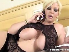 Big tit�s whim, lick her quim
