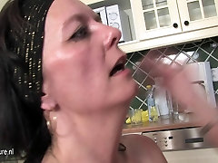 Hot daughter fuck lesbian housewife