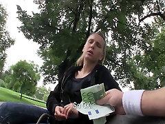 Valdžios Paėmimas - Gamtos čekijos yra įlaipinami viešųjų lytis