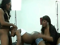 Big Dick Bitch and Ts Kimmy Breaking down a Thug