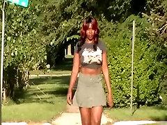 Voyeur grandy mature : Green Skirt & Stillettos