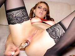 Teen Shows How Big Girls do Anal Sex with Glass Dildos