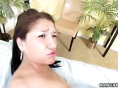 naz xvideos Vicky Chase krijgt haar strakke kut gehamerd