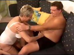 German kocasi ile kose fucks young stranger boy