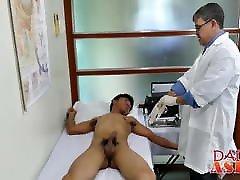 azijski mig barebacks sa zrelim delinkvencije u liječničkoj ordinaciji