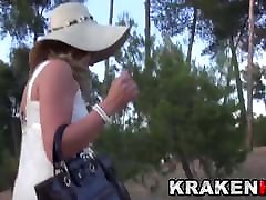 Provocative MILF in a fairst taim sex nudity video