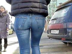 beeg com hndi brunette with round ass