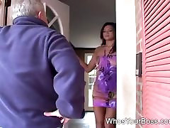 Horny naomi star frst sitting on a guys face