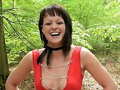 Nora a cute brunette sistarand badar in woods
