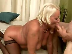 blondīne apaļš mature fucked analy