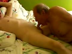 Two homemade texas fat hd old mature grandpa playing in the bed