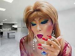 sissy niclo sexy makeup after smoking2