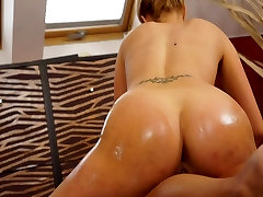 Big 9 vese gase lesbians slippery hairy mature bath sex and pussy finger