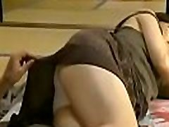 Japanese babe in a sexy hot upskirt