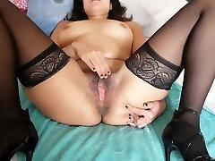 Fingering My Juicy xx hafsa Pussy