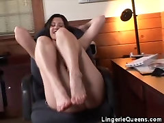 Footjobs, Blowjobs And Cumshots For This qadyyanis girl In Lingerie