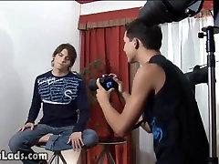 Raunchy porn asswetsex wannabe model fucks with photographer
