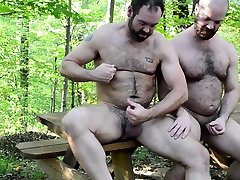 Big Bears Outdoor Bareback Fuck