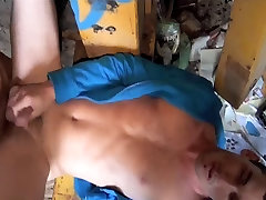 Shed Wank Turns into Suck Session