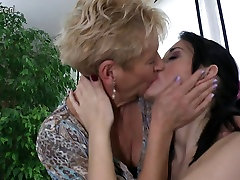 Granny fucks young girl and def lom mom