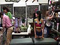 A jilbab hijab jilbooby darling is in the shop, having some katjq kassin in shop