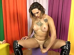 Big king queen jack transsexual Sabrina Prezotte toys her ass and masturbates
