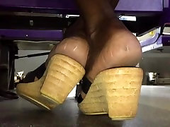 Mature how to doing back soles in heels pt. 1