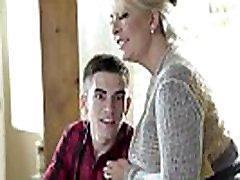 Brazzers - Mommy Got Boobs - Ariella Ferrera, Jordi El Nino Polla - Homemade American Tits - Trailer preview
