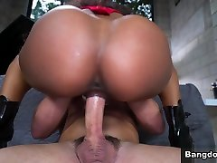 Ebony Beauty Demi Squirts For First Time - BrownBunnies