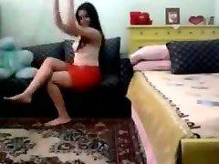 Hot Arab Girl Dancing