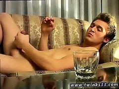 Gay porn movies online London Solo Smoke & Stroke!