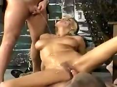 Horny piss action with beautiful bihar ke sixy bhojpuri girl.