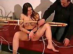 alasti naine saab marangos ravished rindade castigation näidata
