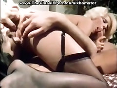 Pretty Seka gets Fucked & wish to change to women Licked 1970s