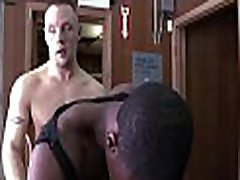 Muscle ebony gay boyfrend likes feeling white meat in his anal