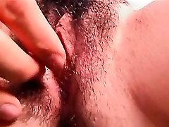 Threesomed plika jap hottie gauna plaukuotas ištraukti pirštu giliai