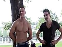 Pretty flower guy is sucking gay stud&039s schlong hungrily